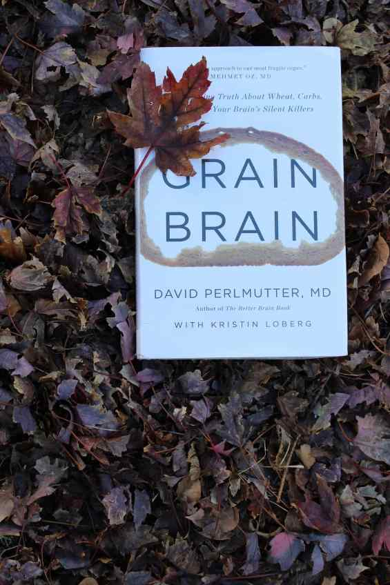 Grain Brain by Dr. Perlmutter is a great read for those researching the keto diet! How does graon, specifically wheat and gluten, affect our brains? You'll be shocked to see how a low carb keto diet can improve your brain health now and as you age. #alzheimers #grainbrain #ketobooks #ketobook #dietbooks #glutenfree