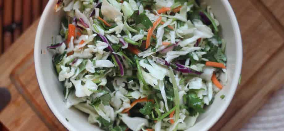OMG Keto Yum's keto coleslaw in salad roundup at Keen for Keto! #keenforketo #ketocoleslaw #ketosalad #salad #ketogenic