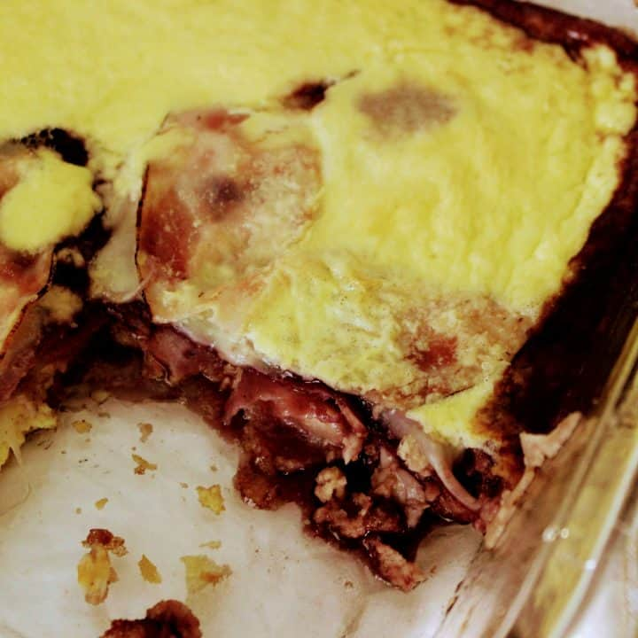 Keto Monte Cristo Breakfast Casserole is a breakfast casserole version of the famous Monte Cristo sandwich. You won't regret trying this low carb Monte Cristo casserole with layers of yummy ham, provolone cheese, and raspberry jam! Keenforketo.com| ketogenic Monte Cristo Casserole | keto brunch casserole | gluten free Monte Cristo breakfast casserole | keto recipe